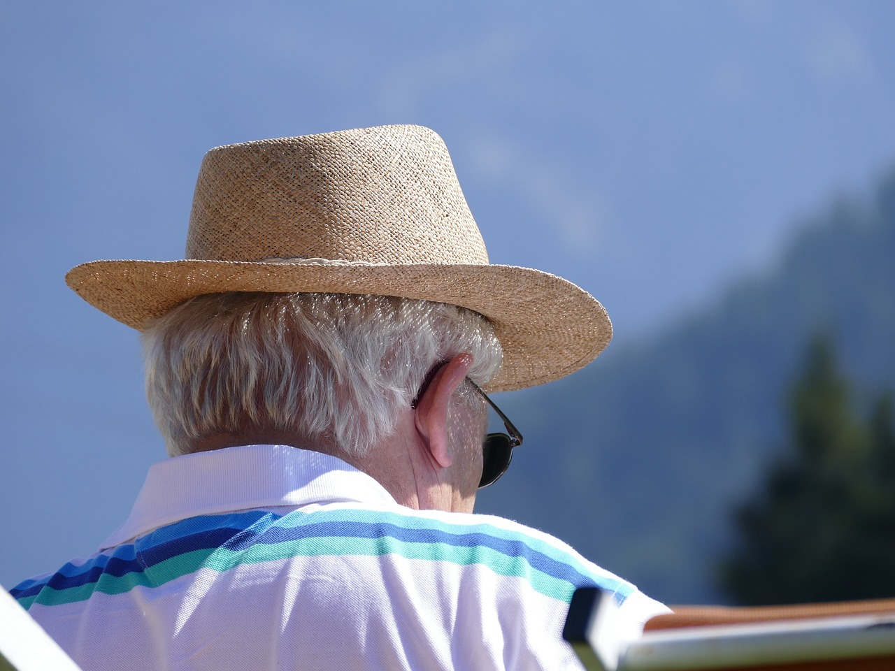 pensioners-914744_1280